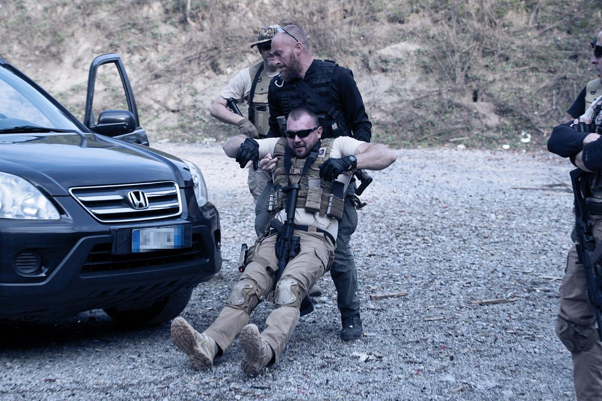 simulazione ferito corso tiro operativo tactical combat shooting