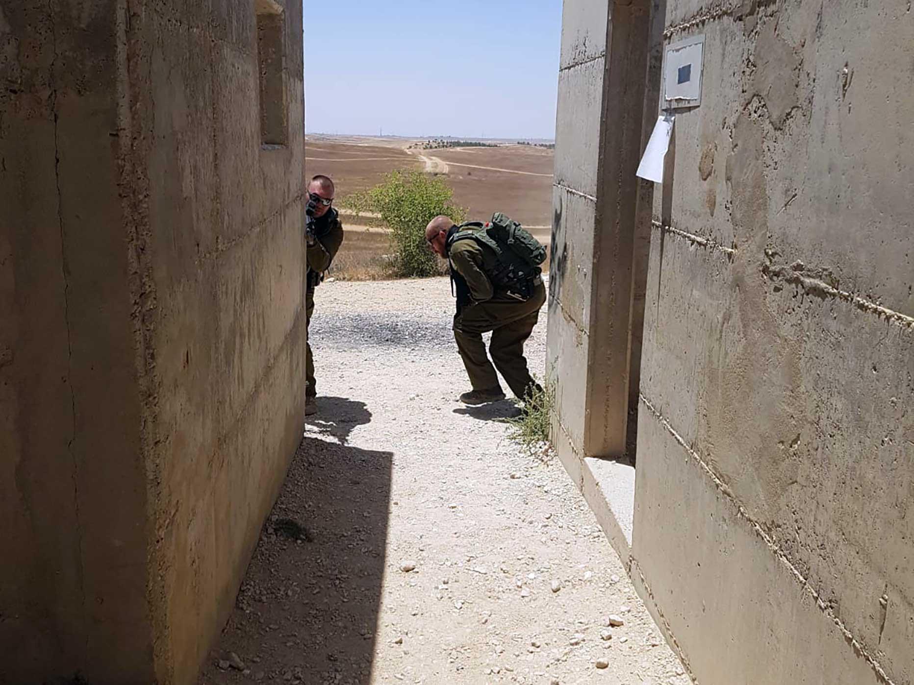 manuel spadaccini e daniele cattaneo addestramento in israele esercitazione di tiro cqb